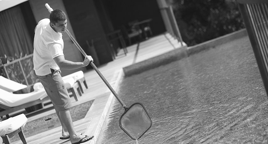 10 Tips to Maintain Your Pool This Summer